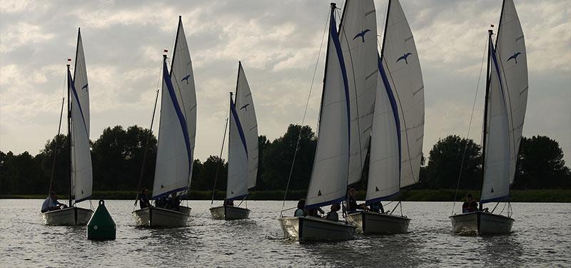 Zeilen over het Uitgeestermeer en Alkmaardermeer
